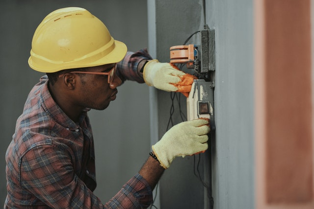 Sådan finder du en god elektriker i Hvidovre